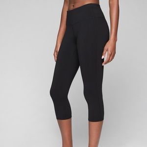 Athleta High Rise Capri Leggings Black Size M